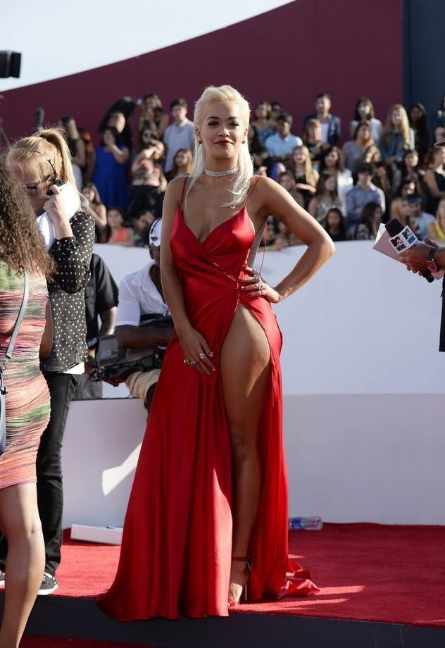 Фото прозрачных платьев без нижнего белья